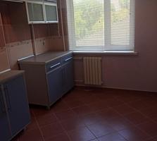 Квартира(двухкомнатная), центр Григориополя, 54 кв. м.