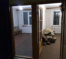 2-комнатный блок в общежитии, 3/7 эт. 34 м2. ул. Краснодонская, СШ №12