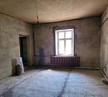 Продается дом в Парканах 140кв. м 12 соток