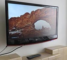 МОНИТОР-ТЕЛЕВИЗОР LG на 27 дюймов Full HD 1920x1080 разрешением!