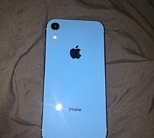 iPhone XR 64 GB в очень хорошем состоянии.