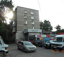 Se vinde apartament 2 camere, centrul sectorului Botanica. Autonomă.