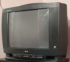 Продам телевизор не дорого.