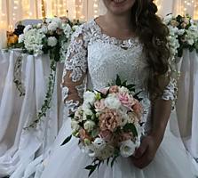 Продаю свадебное платье 2400 л.
