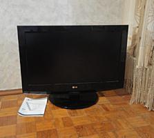 """Продам жидкокристаллический ТВ """"LG"""" диагональ 81 см за 180 долларов."""