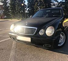 Продам Mercedes E220 CDI 2.2 2000 года