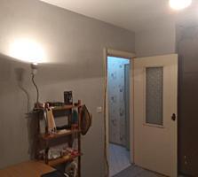 Продам 1х комнатную на балке, 1/5 этаж, 34м кв. Мебель. 12000 уе