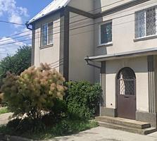 Продается добротный кирпичный дом 200 м. кв.