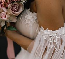 Продам свадебное платье, очень нежное, не венчанное