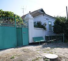 Продаётся дом в Корабельном р-не, ул. Литовченка, рядом с рекой.