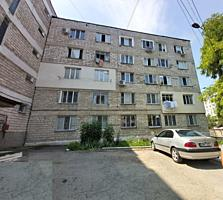 Spre vinzare se propune apartament spatios in sectorul Sculeni. ...