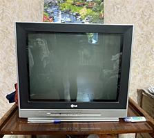 Продаётся б/у телевизор LG