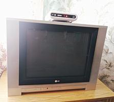 Продаётся телевизор LG + декодер
