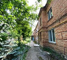 Продается 3-комнатная квартира с гаражом во дворе!