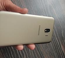 Продам Samsung J4 2/16