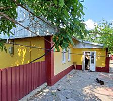 Продается глинобитный дом в начале Карагаша, 61 кв. м, 25 соток земли
