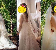 Нежное платье с шлейфом, цвет айвори