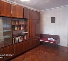 Продается 2-комнатная квартира на Кировском, район Баня 1/5