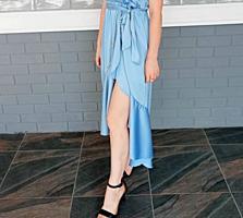 Продается шикарное платье от Gill Sntucci, новое.