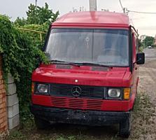 Продам Мерседес 208 D