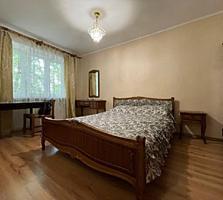 Продам 2к. квартиру по проспекту Добровольского