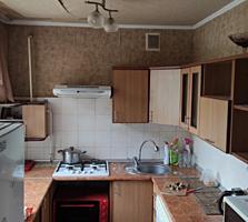 Продается 3-комнатная квартира 57 кв. м. в центре напротив примэрии.