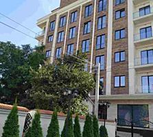 Se ofera spre vinzare apartament de lux cu 3 odai + living in Centrul
