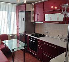 Квартира в центре с ремонтом, мебелью и быт. техникой 13800 у. е