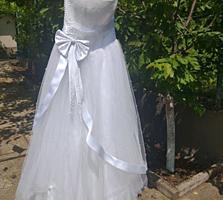 Продам свадебное платье, размер S.