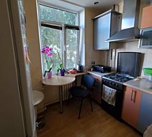 Продам большую 2-к. квартиру на Красных казармах (ДК Строителей)