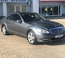 Mercedes Benz W221
