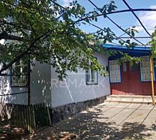 Se vinde casă, 14 ari, 100 mp s. Goianu Nou! Suprafața terenului 26 ..