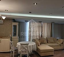 Se vinde apartament de lux cu 3 camere, amplasat în sect. Centru, pe .