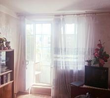 Продам светлую, теплую 2-комн. квартиру в центре Днестровска