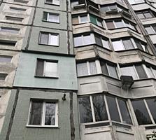 Apartament cu 1 odaie, sec. Botanica, str. Cuza-Voda. Imobilul are o .