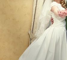 Продам свадебное платье и набор футболок Family Look