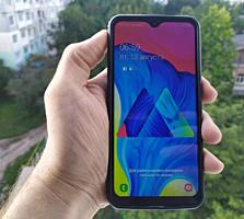 Samsung Galaxy M10 (2019). Android 10.