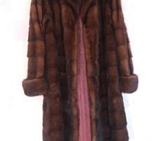 Продам б/у норковую шубу. Длинная, размер 48 - 52 на рост 168-180 см.