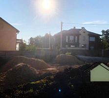 Продам ділянку 5,3 соток в селі Гнідин. Фасад 19 метрів. Газ і електр