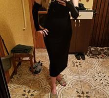 Итальянское Чёрное Платье, размер M. Перчатки и накидка
