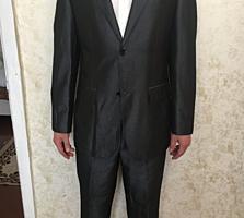 Продам костюм Armani