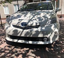 Toyota Prius V 2012 г. 8 500 $