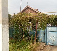 Район элеватора. Кировский. Саманный дом на три входа.