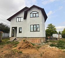 Spre vinzare se propune casa in 2 nivele amplasata in Budesti. ...