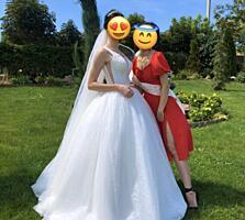 Продам свадебное платье, не венчанное.