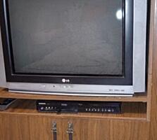 Два телевизора +тумба 500лееи