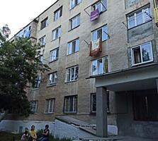 De vânzare apartament cu 1 odaie situat pe prima linie, apartamentul .