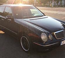 Продаю Mercedes W210 E270.
