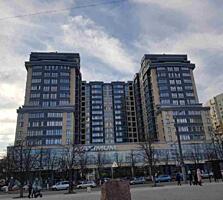 Vă propunem spre vînzare apartament cu 3 odaie + living, amplasat in .