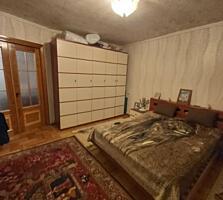 Spre vinzare apartament cu 3 odai intr-un bloc secundar, sect. ...